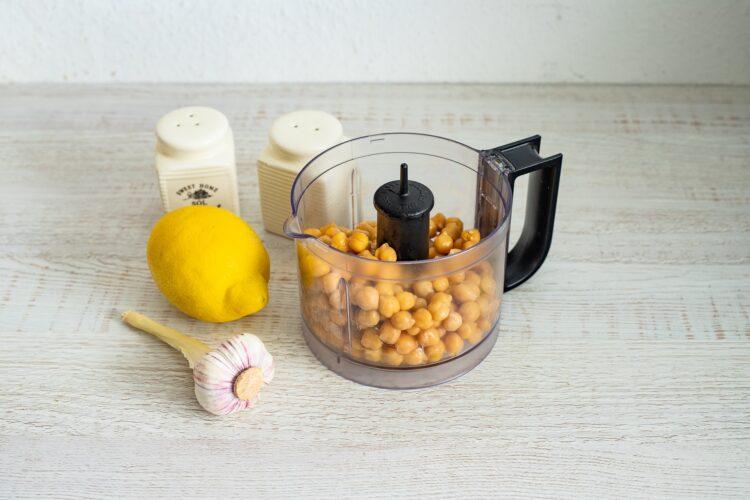 Wrapy naleśnikowe z chrupiącymi warzywami - Krok 4