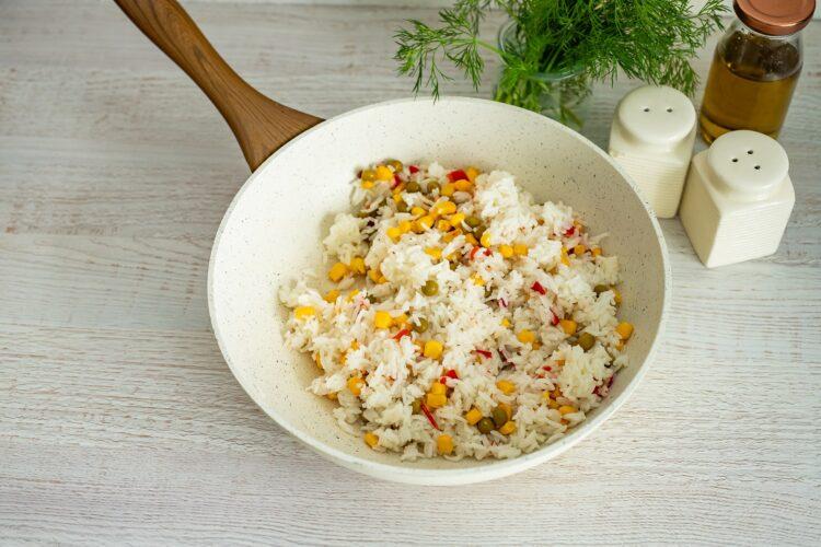 Pieczony łosoś z ryżem po meksykańsku - Krok 3
