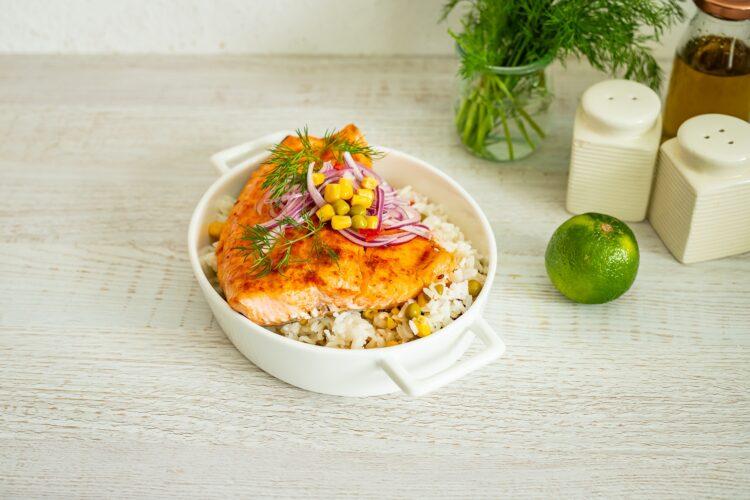 Pieczony łosoś z ryżem po meksykańsku - Krok 5