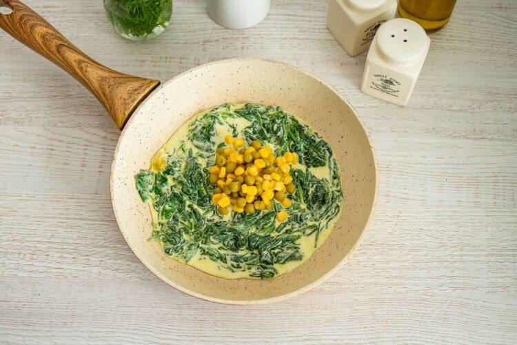 Kotleciki z brokuła na kremowym szpinaku z kukurydzą z groszkiem - Krok 5