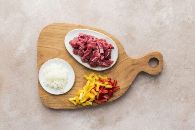 Gulasz paprykowy z wołowiną, fasolą i rozmarynem - Krok 1