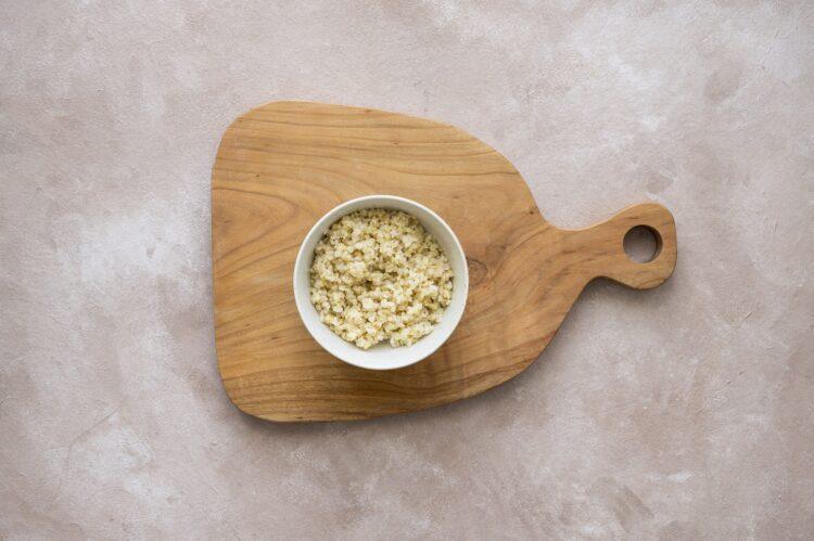 Sałatka z kaszy bulgur z pieczoną dynią, fetą i pistacjami - Krok 2