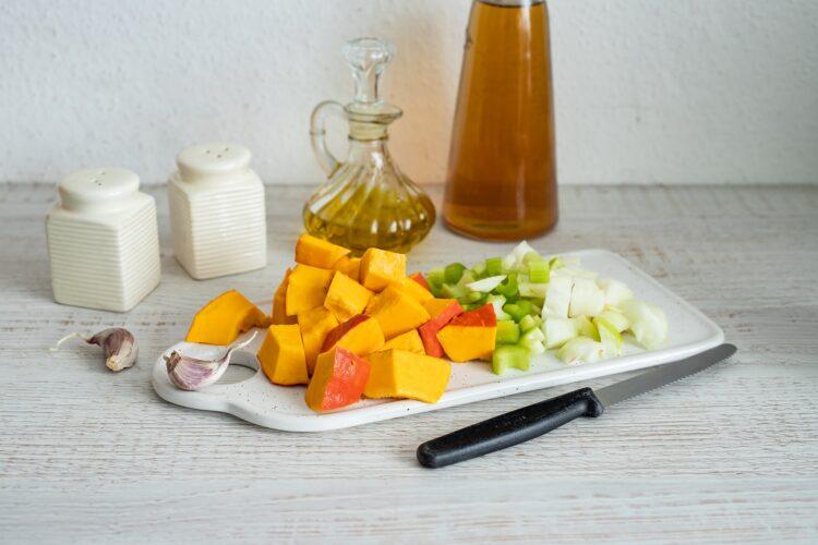 Krem z dyni i kukurydzy z serem pleÅ›niowym - Krok 1