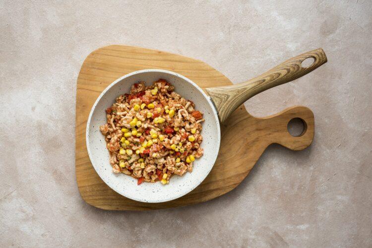 Naleśniki z kurczakiem, kukurydzą i papryką - Krok 3