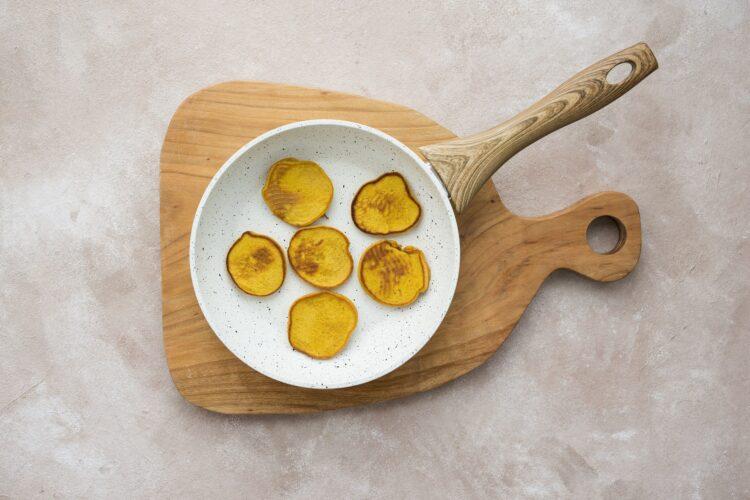 Placuszki z marchewki i banana - Krok 3