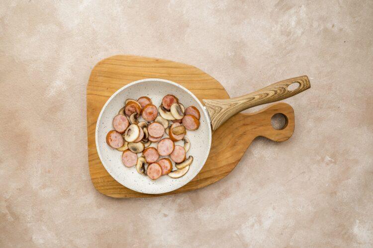 Zapiekanka ziemniaczana z brązowymi pieczarkami - Krok 3