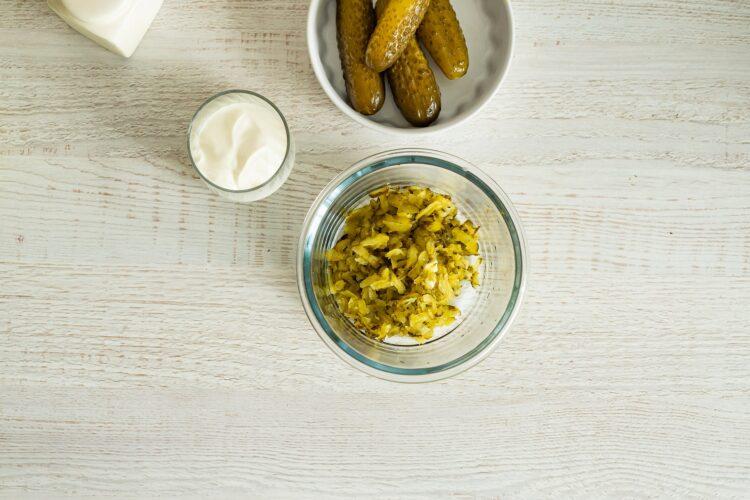 Zupa ogórkowa z zielonymi warzywami - Krok 2