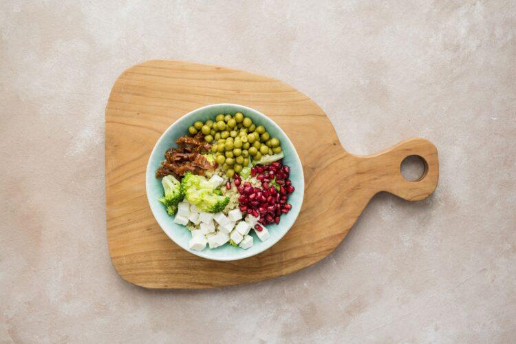 Kasza bulgur z brokułem, groszkiem i suszonymi pomidorami - Krok 4