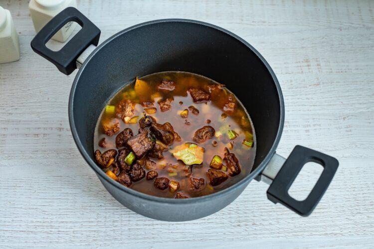WÄ™gierska zupa gulaszowa z kukurydzÄ… - Krok 3