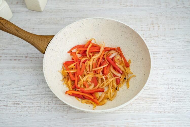 Szybkie danie chińskie z wołowiną i fasolką - Krok 3