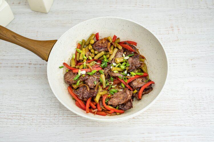 Szybkie danie chińskie z wołowiną i fasolką - Krok 4