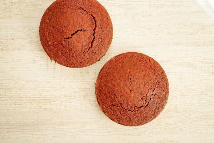Tort red velvet z burak贸w z kokosowym kremem - Krok 3