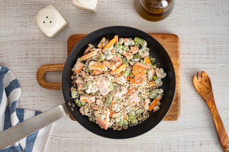 Kasza smażona z kurczakiem i warzywami oraz mozzarellą - Krok 3