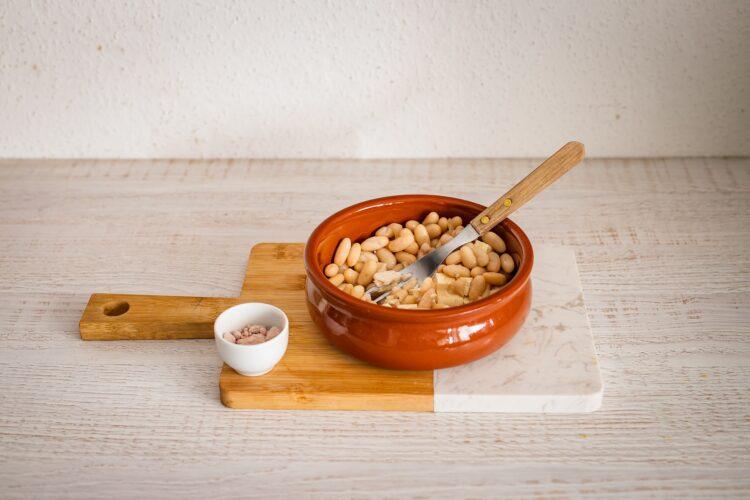 Pasta bezjajeczna ze szczypiorkiem - Krok 1