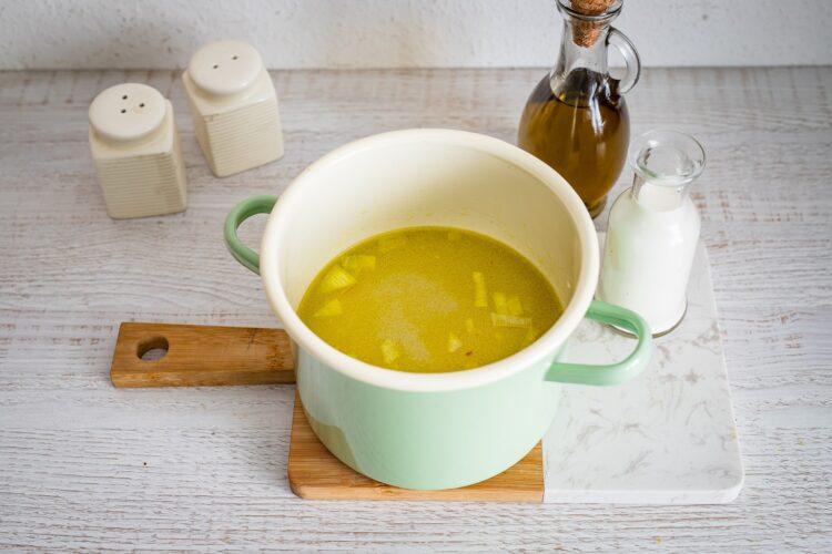 Zupa szparagowa z cieciorkÄ… i fetÄ… - Krok 2