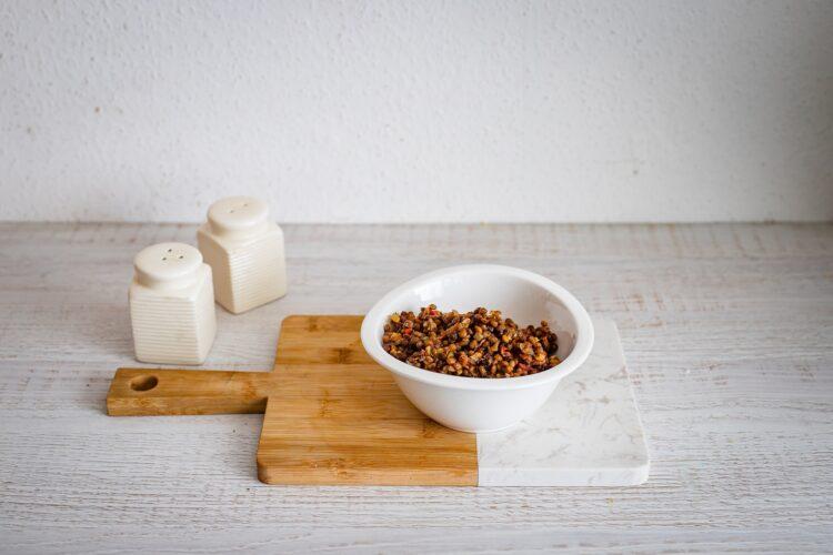 Drożdżowe rogaliki z soczewicą i pomidorami - Krok 3