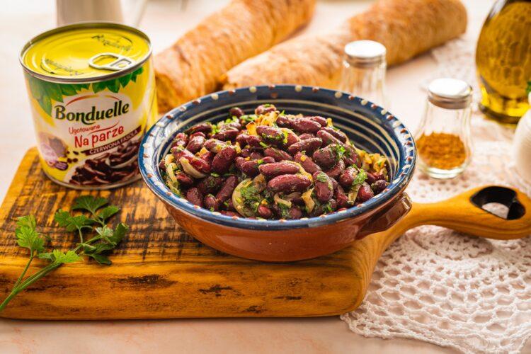 Gruzińska sałatka z czerwonej fasoli