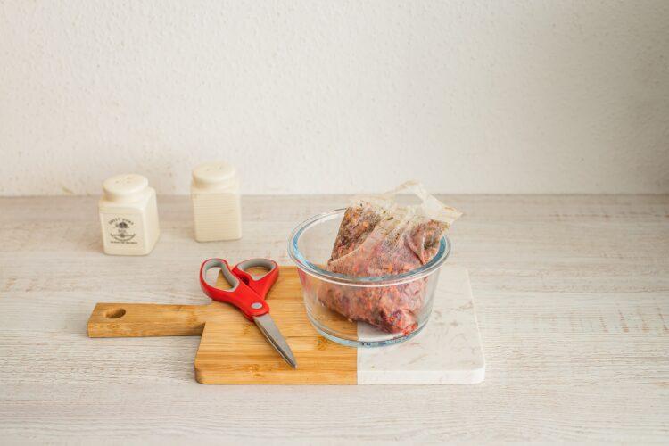 Bułeczki pszenne supełki z kaszą i burakiem - Krok 2