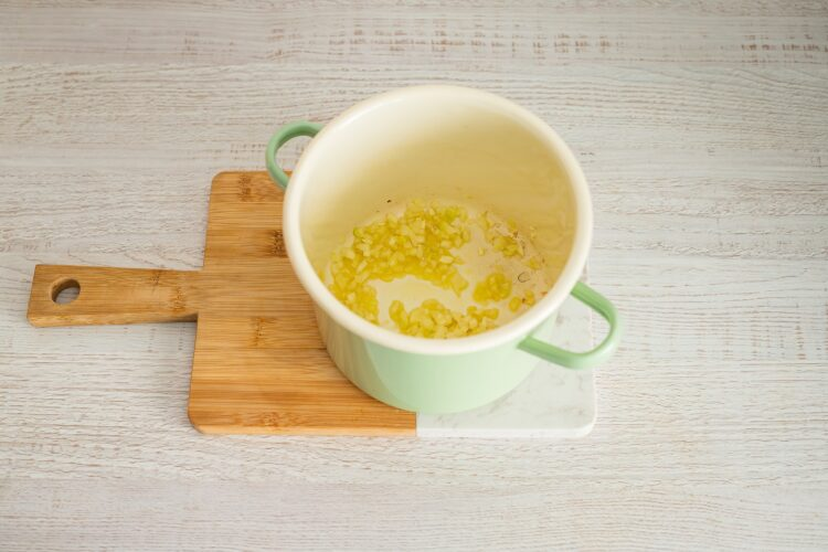 Klasyczna zupa pomidorowa z pulpecikami z soczewicy i kaszy - Krok 2