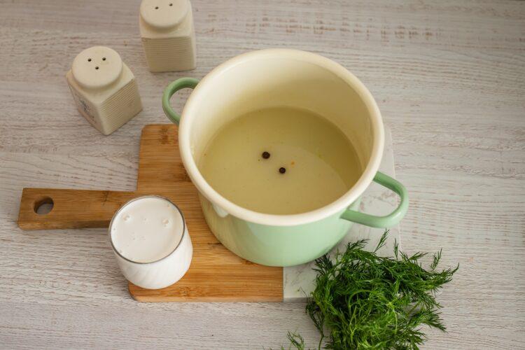Pulpety z indyka z kaszÄ… z sosem koperkowym - Krok 4