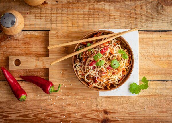 Makaron z warzywami po chińsku